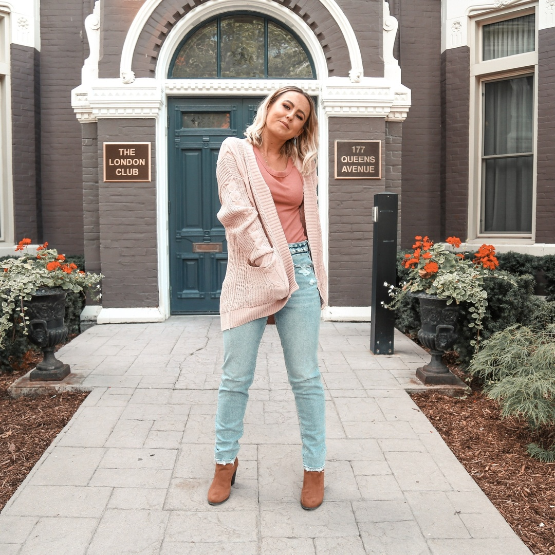 Look by Heather Lapier featuring Stretch Mom Jean
