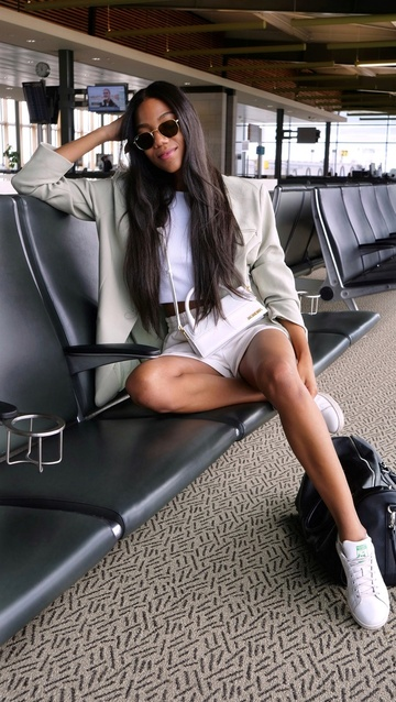 le#airportoutfit#airportlook#blackcreators#bipoccreatives#airportfashion#blazeroutfit#loungewearchic#loungewearallday
