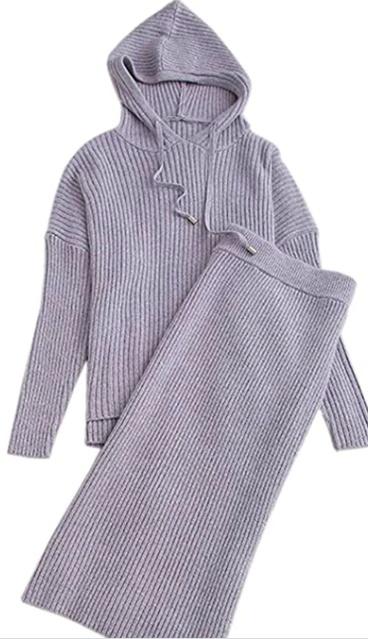 Women's knit 2-piece #Women #Knit #KnitSuits #Loungewear # #Holiday #Lifestyle #Travel #trend #Fashion #CozyOutfit