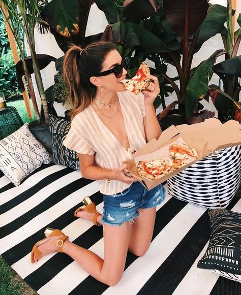 Pizza anytime thanks to  #revolve #summerstyle #wearitloveit #lookoftheday #getthelook #ootd #ShopStyleFestival #mylook #ShopStyleCollective #revolve #celine #tieinfront #denimshorts