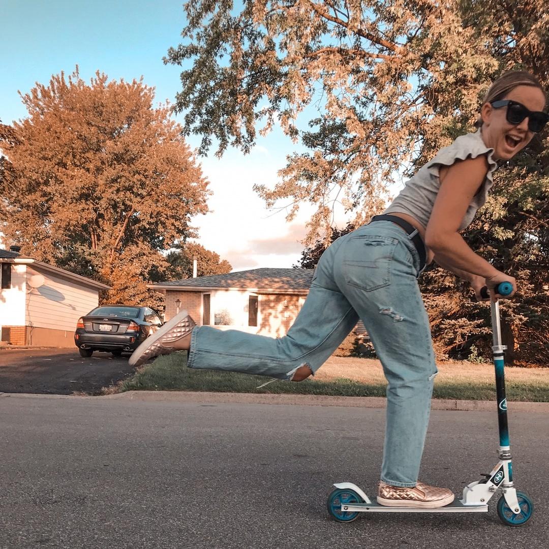 Look by Heather Lapier featuring 90s Boyfriend Jean