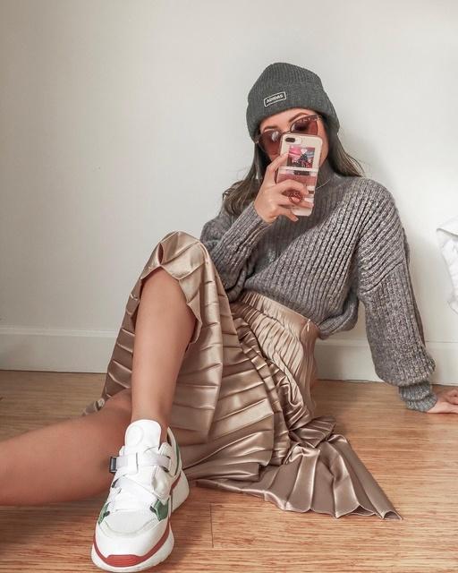 izedsweater #ribbedsweater #satinskirt #pleatedskirt #ShopStyle #MyShopStyle #LooksChallenge #Lifestyle #TrendToWatch #Petite