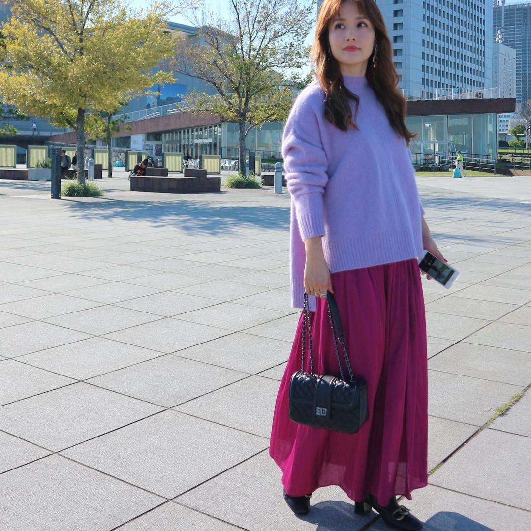 こないだのお洋服♡ずっと着たかった、ニットとスカートがようやく着れる♡ニットは色も形もツボ過ぎて超お気に入り♡スカートは探しまくっていたサテン素材のもの♡ちょっと長がったけど、どうしてもこのニットと着たかったから満足♡ ∵ バックも、ずっと欲しかったキルティングチェーンバック♡【#DONOBAN (@donobanweb )】でGETしました♡いろいろ見過ぎて、何買っていいか分からないくらい悩んでいたんですが、リアルレザーなのにプチプラっていう最高の条件のものを見つけたので即GET♡チェーンもゴールドじゃなくて、ブラックが良かったからホント理想通り♡やっぱ、リアルレザーだと形も綺麗だし、質感も良いですね♡ ∵ ∵ #DONOBAN #チェーンバック #キルティングバック #sscollectivejp #sslooksjp #shopstylejp #pr #ファッション #fashion #お買い物 #shopping #ユナイテッドアローズ #unitedarrows #アクセサリー #jewelchanges #ママコーデ #ママファッション #大人ファッション #30代コーデ #大人可愛い #ミヤマリ #vocest #vocemagazine #美容ブロガー #インフルエンサー #ヘアアレンジ #ママ #男の子ママ #mamagirl #おしゃれさんと繋がりたい