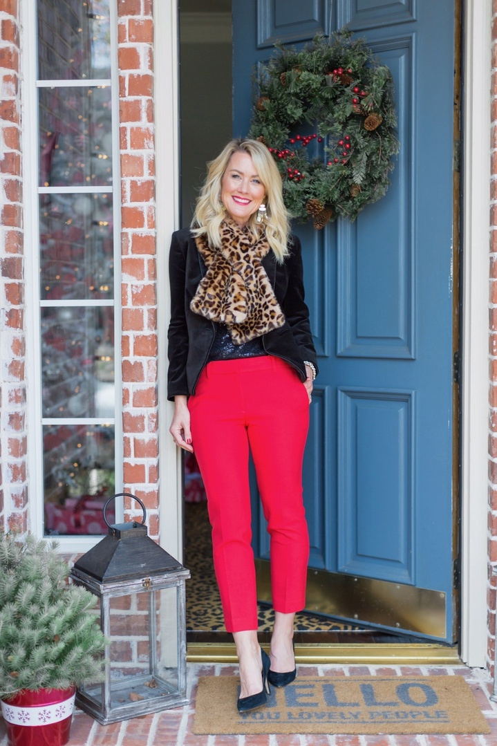 Holiday ready in these sassy pants & gorgeous velvet blazer! 💃🏼🌟 And my entire oufit is 5️⃣0️⃣% off plus free shipping! 🎉