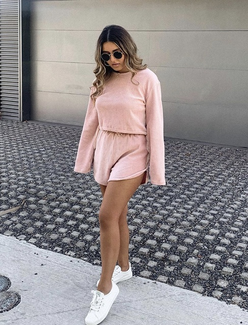 er #Holiday #Beauty #Fitness #Party #Lifestyle #TrendToWatch #Travel #Vacation #matchingset #tigermist #pinkset #casualoutfit