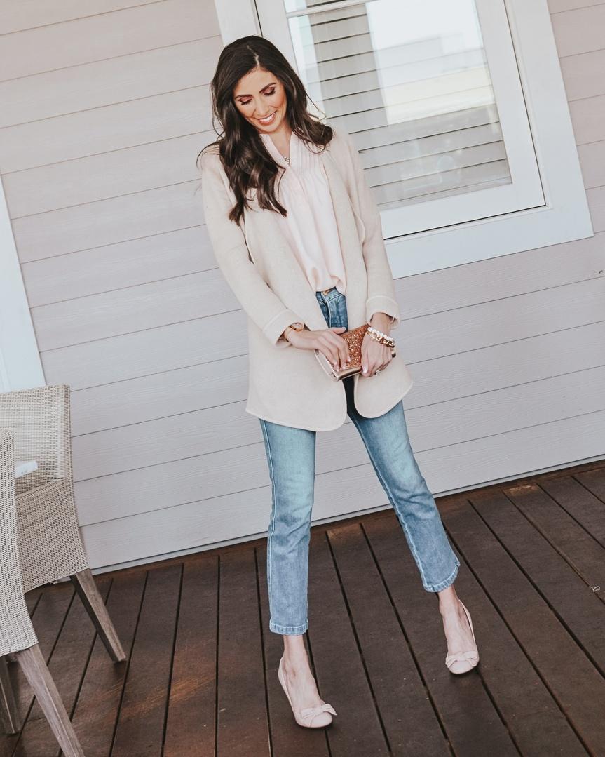 tfitinspo #jcrew #ruffles #sparkle #beige #pink #springstyle #spring #springcolors #knitblazer #minneapolisbloggers #momstyle