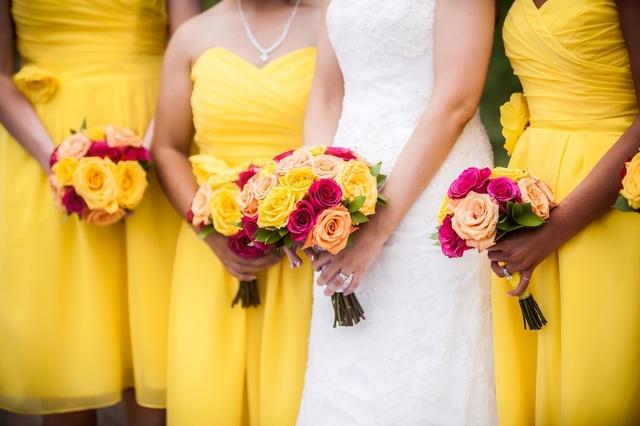 Fantástico look negro y amarillo   #Beauty #Party #TrendToWatch #LooksChallenge