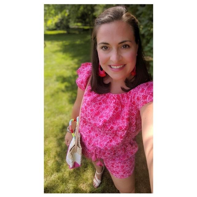 y #cutemom #summerstyle #jcrew #vineyardvines #pinkandred #summerstyle #iowastatefair #girlfriends #momsnightout #MyShopStyle