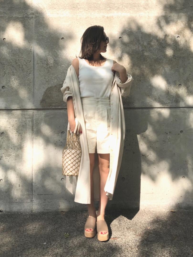 リネンガウン×リネンパンツﻌﻌ♥ . .  outer  @razielblue.official  tops  @gu_global  pants  @lowrysfarm_official  shose  @plst_official . . . ショートパンツは @ameri812  のプロフィールページURLから チェックできます♪ . .  #shopstyle #shopstylejp #sscollective #sslooksjp#pr #shopstylejp #drmartens #fashiongram #ママコーデ#ootd_kob #アラフォーコーデ#リネンシャツ#mineby3mootd #楽天お買い物部 #サンダル#ショートパンツ#リネンシャツ#ベージュコーデ#ママコーディネート